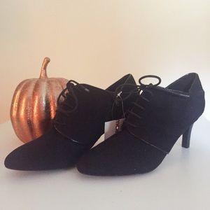 "NEW!  IMPO Black Suede 3"" Heels w/ Tie~Size 6 1/2"